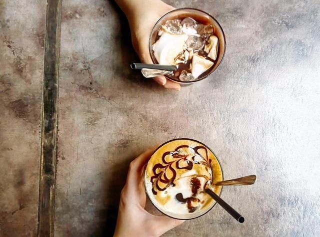 Cà phê đậu xanh + Sữa chua dầm ca cao - Giá 60.000đ/ 2ly