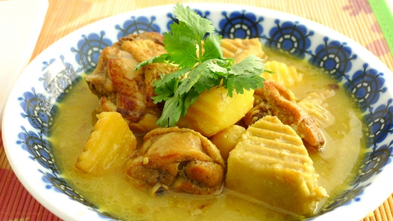 Cà ri gà Nha Trang hương vị đậm đà.