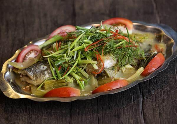 Cá rô phi nấu với dưa chua