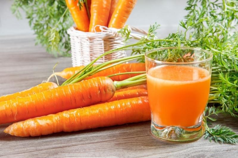 Trong Cà rốt chứa nhiều vitamin A và chất Beta-caroten giúp tăng cường sức khả năng đề kháng, làm mờ sẹo và đẹp da.