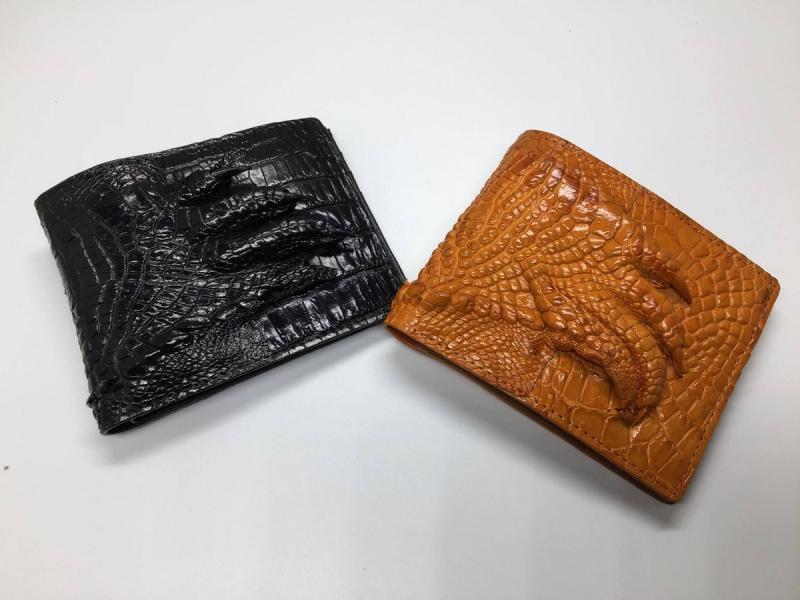 Sản phẩm ví nam da cá sấu theo như đúng tên shop: Cá sấu Kiều Hưng