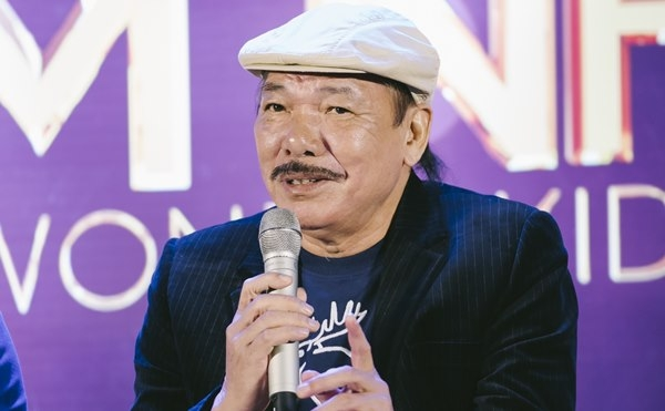 Ca sĩ Trần Tiến
