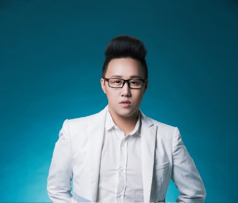 Ca sĩ  Trung Quân Idol