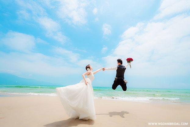 Biển Đà Nẵng trong xanh đầy thơ mộng