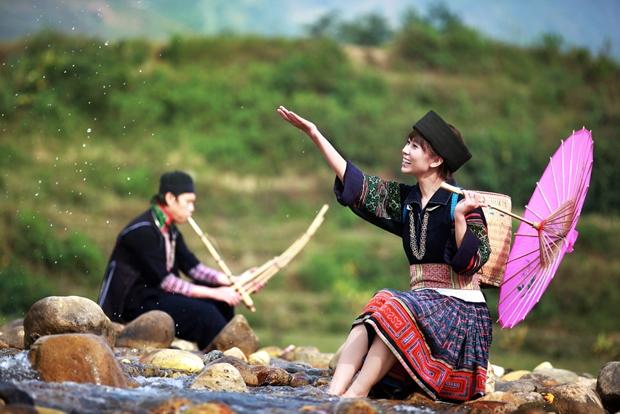 Đôi bạn trẻ bên nhau trong bộ ảnh cưới tại các bản làng dân tộc ở Sapa