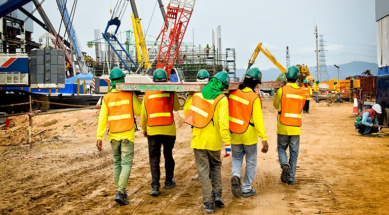 Bảo vệ quyền của người lao động