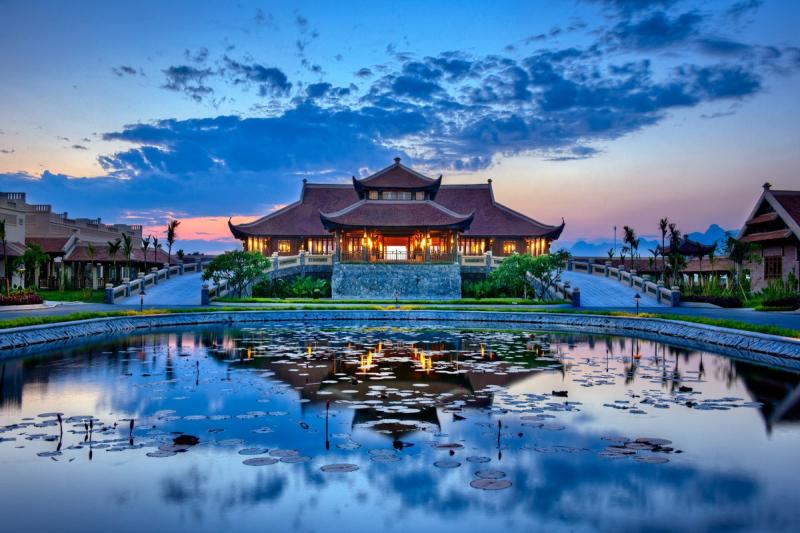 Khu du lịch tâm linh Bái Đính là quần thể chùa lớn nhất Việt Nam
