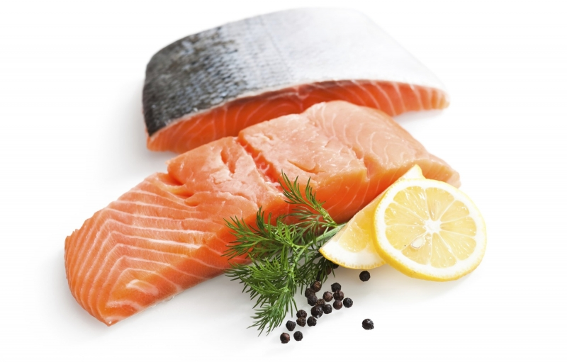 Cá hồi, cá ngừ, cá mòi,... có tác dụng làm chậm quá trình lão hóa