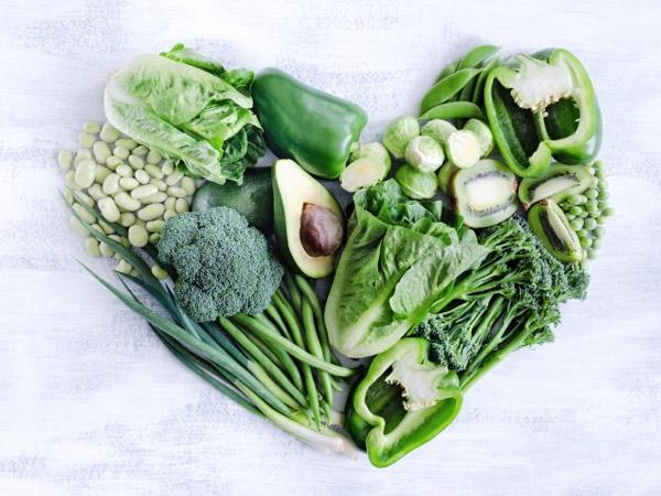 Các loại rau xanh đậm rất tốt cho da