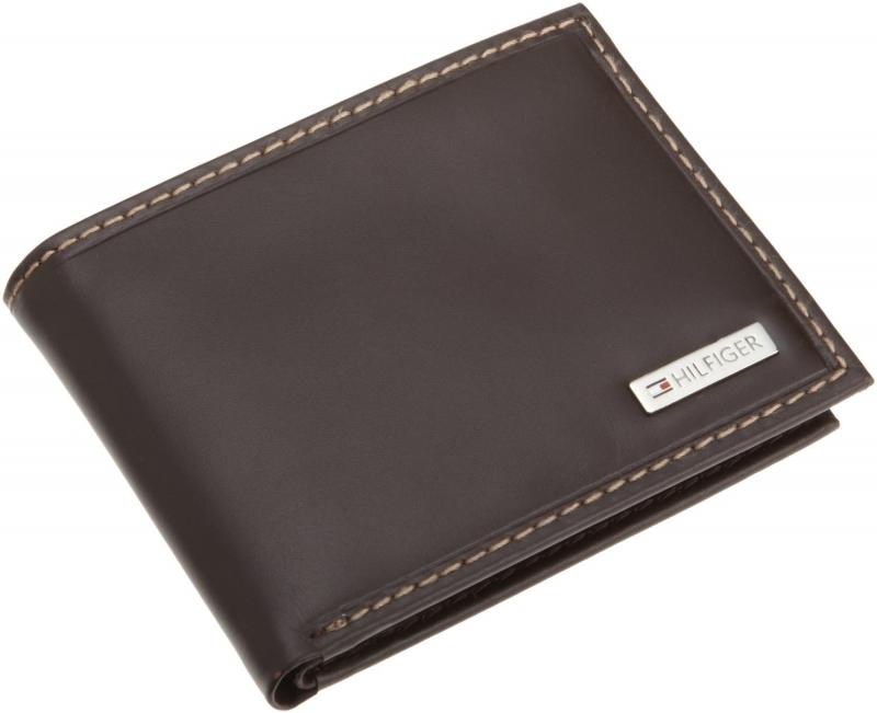 Mỗi khi cầm tới chiếc ví trong tay anh ấy sẽ nghĩ ngay đến hình bóng của bạn