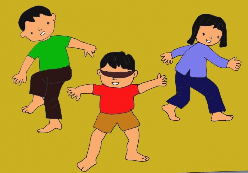 Các trò chơi dân gian rất thích hợp cho các bé dưới 3 tuổi.