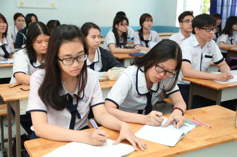 Các trường đại học được phép (nhưng không bắt buộc) sử dụng điểm thi được bảo lưu từ các kỳ thi THPT QG những năm trước để xét tuyển