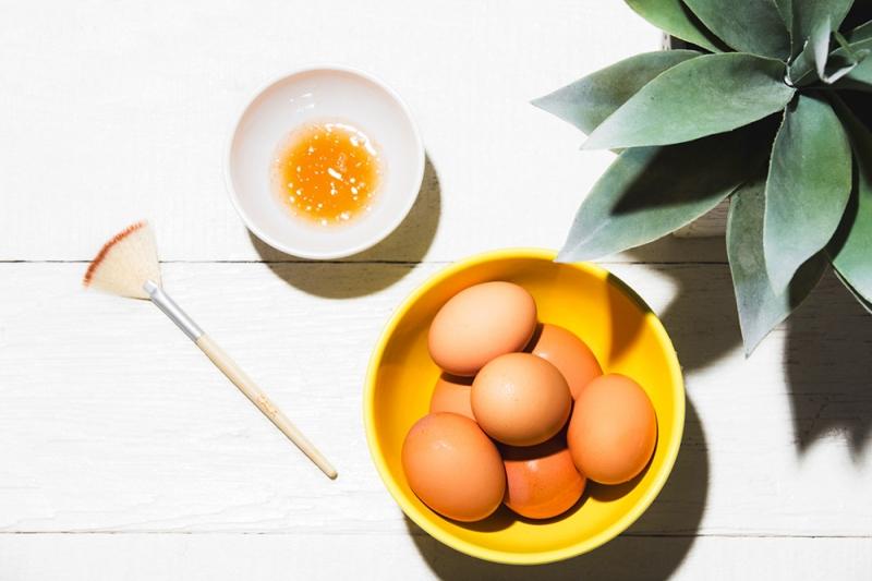 Cách chữa cao huyết áp từ vừng và trứng
