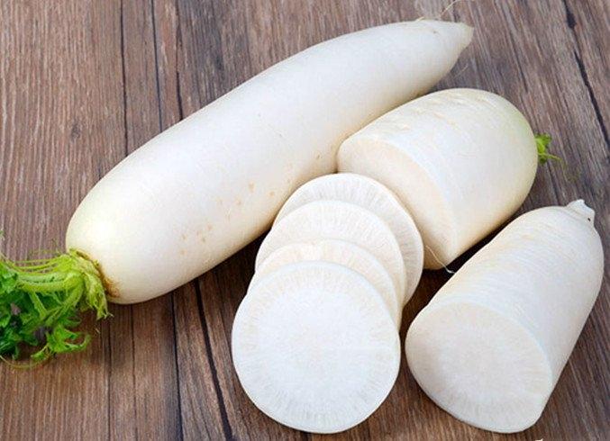 Củ cải trắng chứa chất kháng viêm, kháng khuẩn khá cao, cực kỳ hiệu quả trong việc trị ho lâu ngày