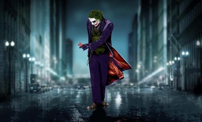 Joker là kẻ hành động không theo một nguyên tắc nào, vô cùng bất ngờ và khó đoán.