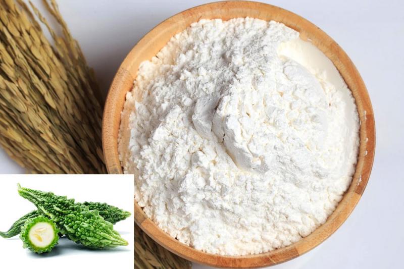 Cách làm mặt nạ mướp đắng với bột gạo giảm thâm mụn