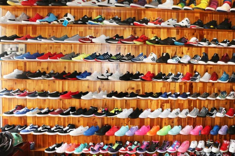 Thế giới giày tại đường Cách mạng tháng 8