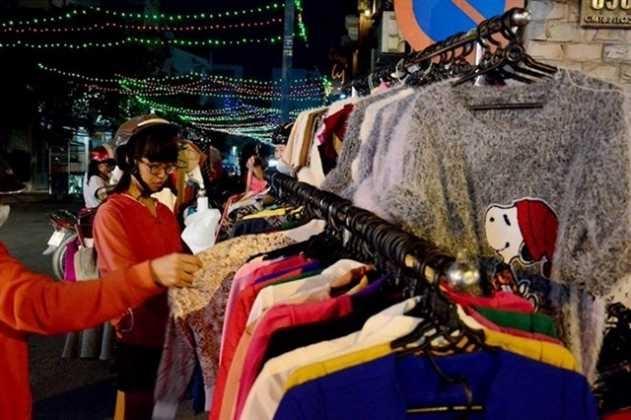 Một trong 10 con đường mua sắm nổi tiếng Sài Gòn là Cách mạng tháng 8