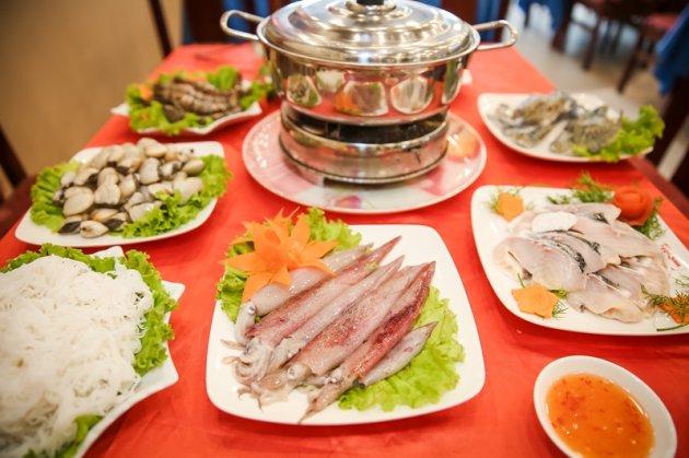 Cách nấu lẩu hải sản đơn giản cho gia đình