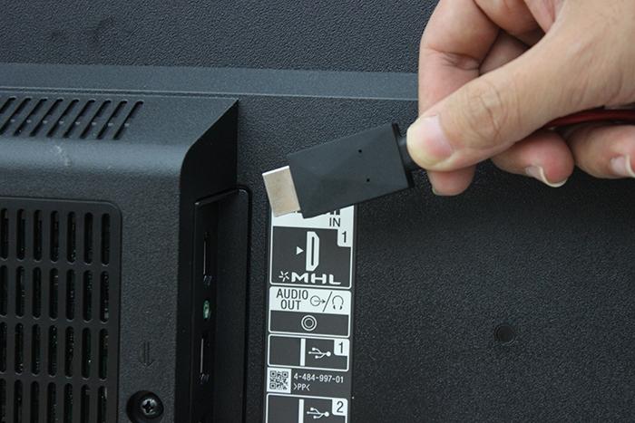 Cách truyền hình ảnh từ điện thoại sang Tivi qua cổng HDMI