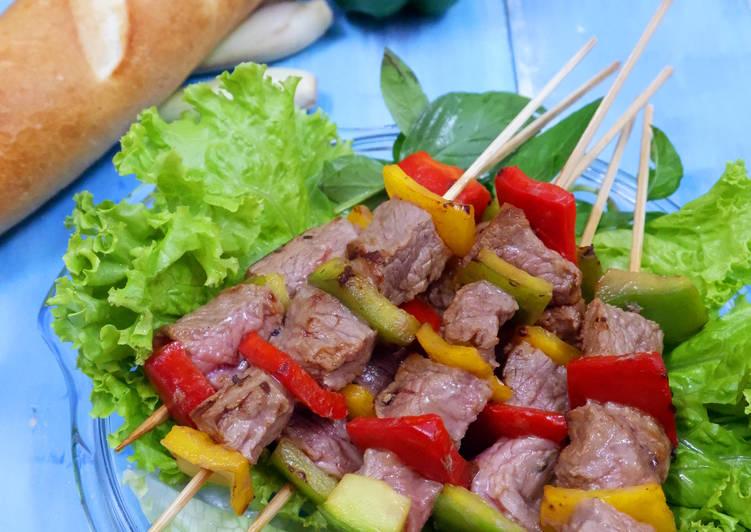 Thịt bò nướng xiên que