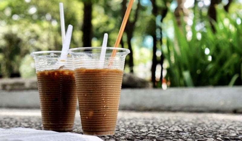 Giá cho mỗi cốc cafe chỉ từ 10,000 - 15,000 VNĐ