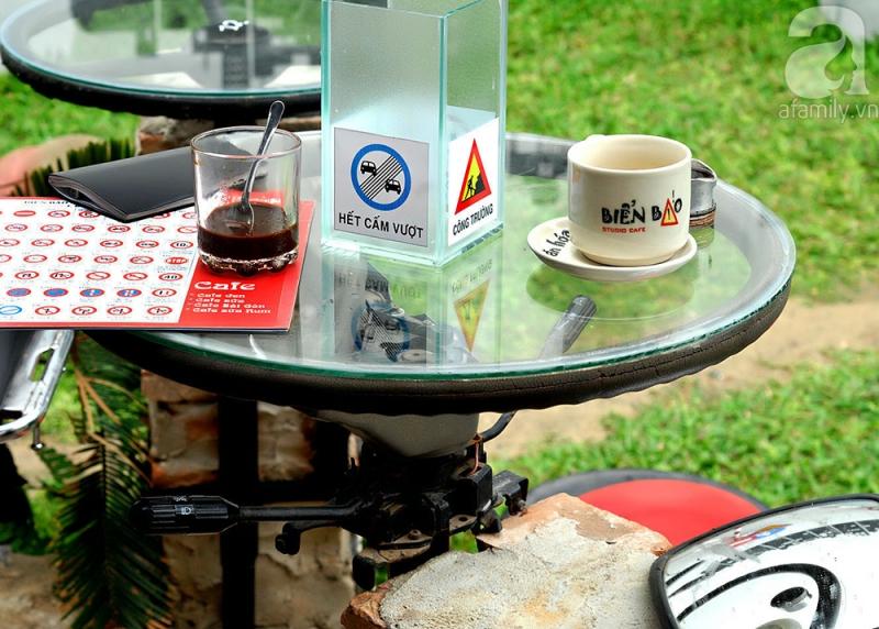 Cafe biển báo