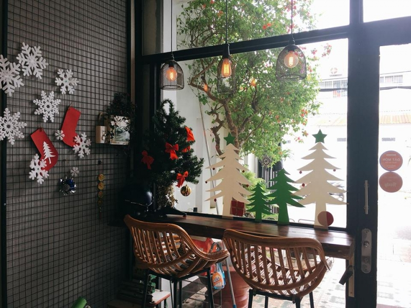 Trang trí bên trong quán cafe Cô Ba - Cần Thơ