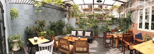 Cafe Hình Như Là - không gian lãng mạn dành cho bạn.