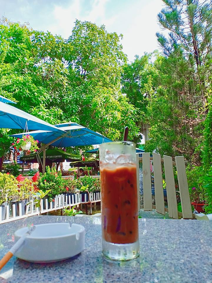 Buổi sáng trong lành tại Cafe Khúc Mùa Thu