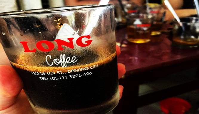 Cafe Long nổi tiếng với hương vị đậm đà