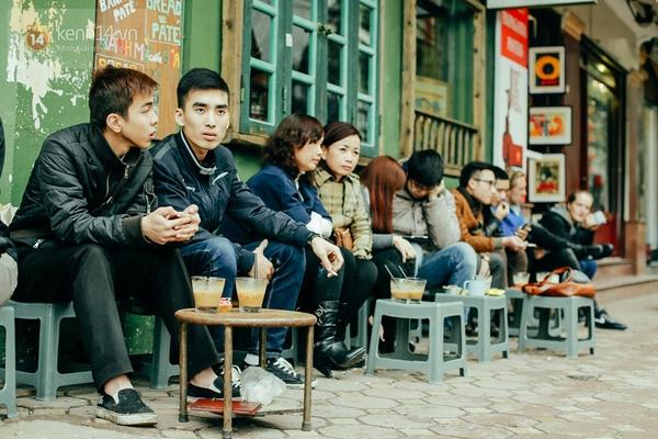 Hà Nội chẳng thiếu hàng quán đường phố, phổ biến đến mức nó dường như đã trở thành một nét đẹp văn hóa của người dân thủ đô.