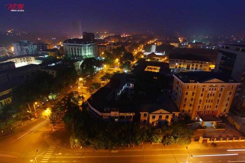 Thái Nguyên về đêm qua tầm nhìn của khách tại quán