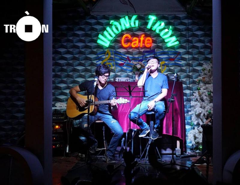 Cafe Vuông Tròn
