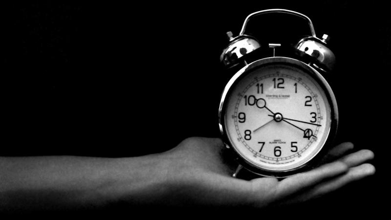 Cài báo thức mỗi giờ