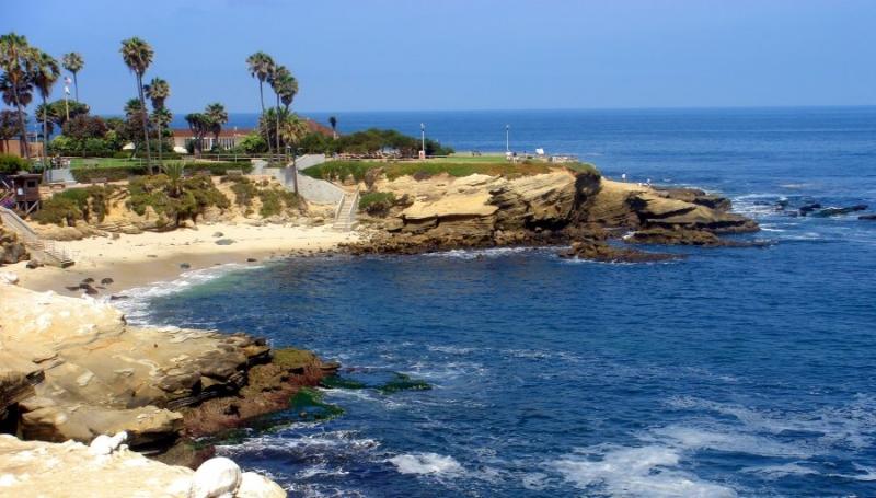 California nổi tiếng với ánh mặt trời chói chang và những bãi biển tuyệt vời.