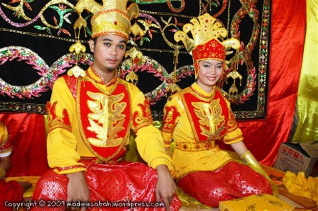 Cấm cô dâu chú rể tắm suốt 3 ngày sau hôn lễ là phong tục rất lạ lùng của người Tidong
