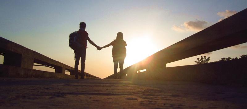 Yêu là khi ở cạnh một người bạn luôn được là chính mình