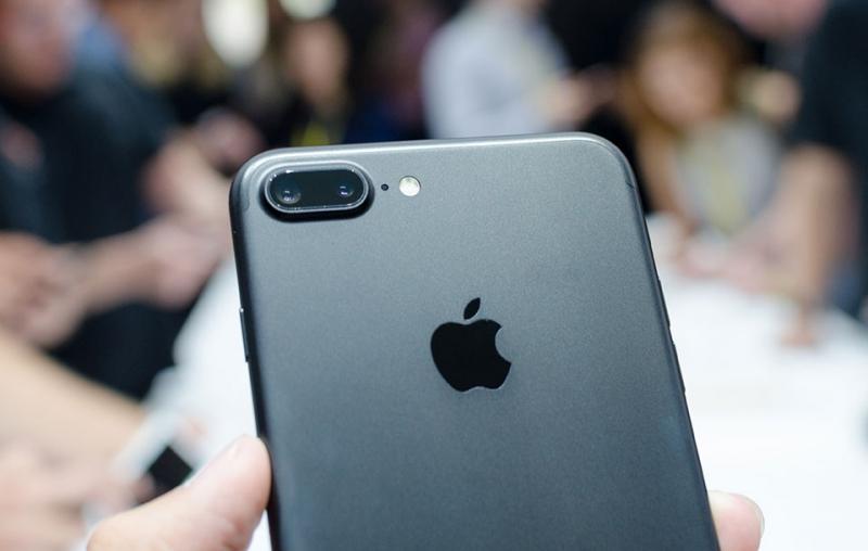 Apple sẽ khiến các hãng khác trang bị camera kép cho sản phẩm của họ