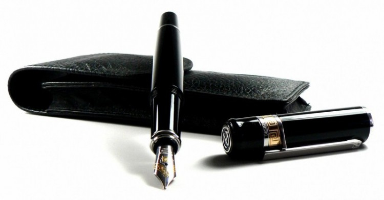 Camlin là thương hiệu bút ký nổi tiếng của Italy