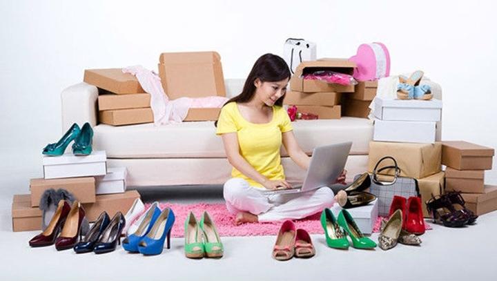 Mua hàng hay mau giày cao gót trên mạng đã quá là quen thuộc với bạn