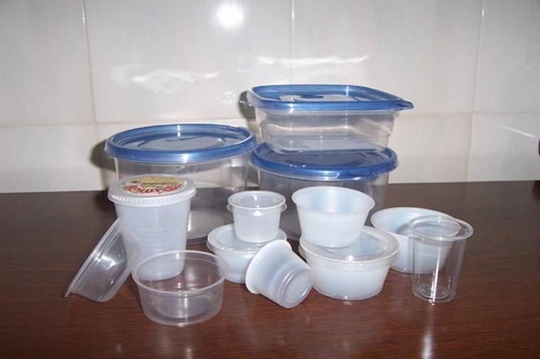 Cẩn trọng với đồ nhựa