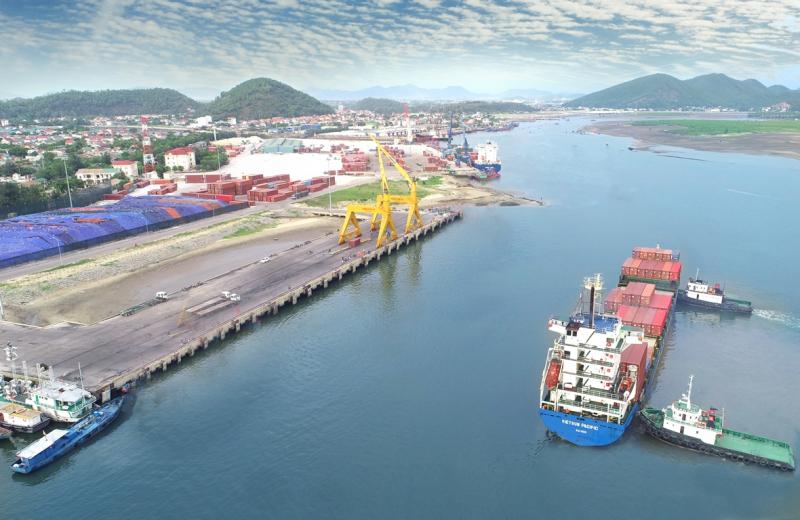 Cua Lo Port
