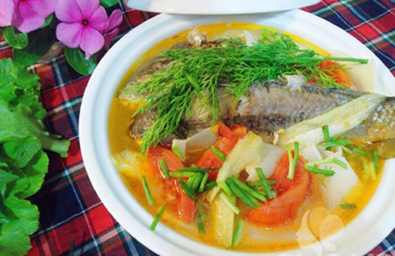 Canh chua cá rô đồng