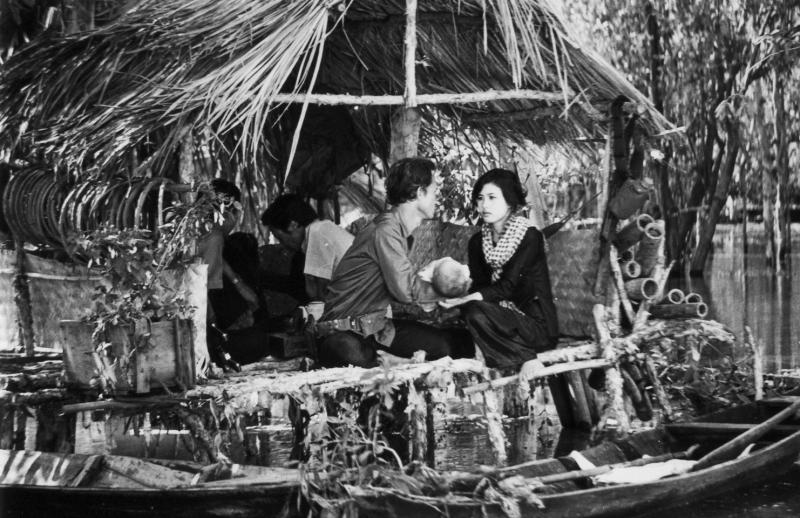 Phim Cánh Đồng Hoang