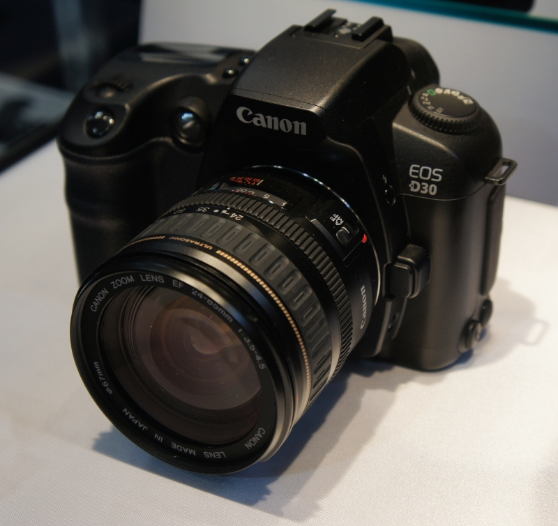 Canon EOS 30D - dòng máy chụp đa tốc độ đầu tiên