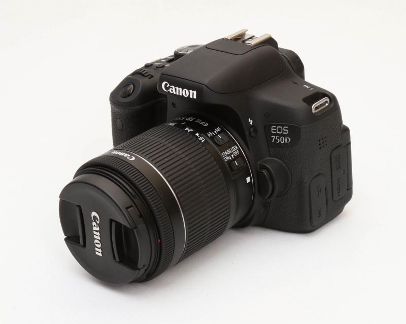 Canon EOS 750D + Kit 18-55 IS STM