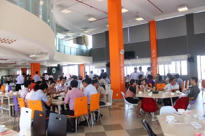 Canteen đẹp như mơ Tôn Đức Thắng