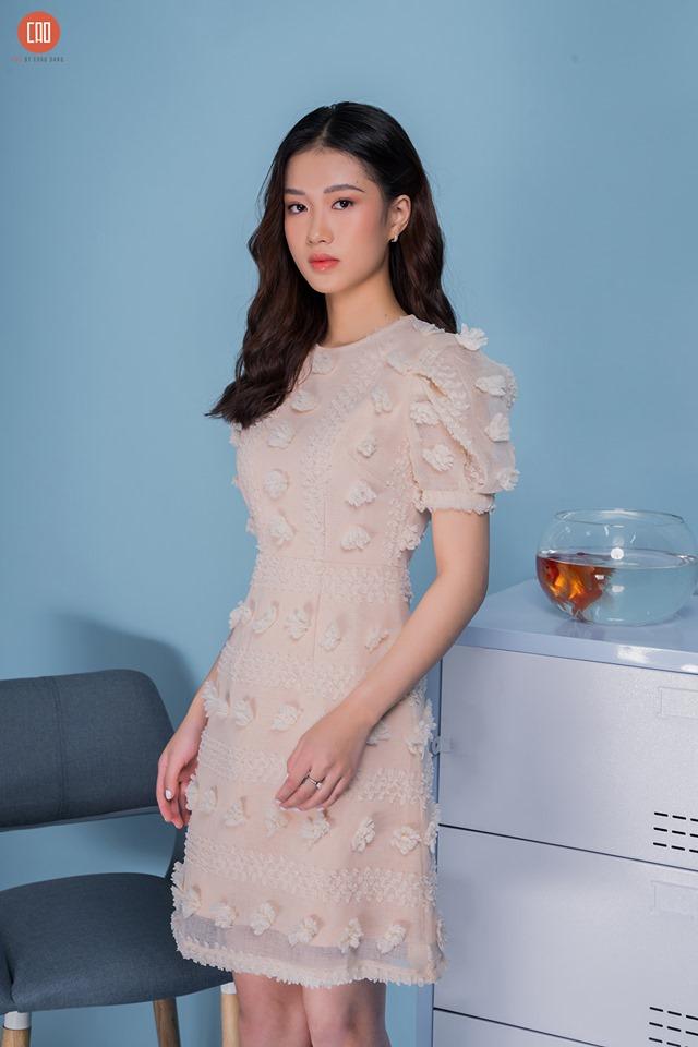 Váy với thiết kế phá cách và lạ mắt - một sản phẩm thời trang của Cao by ChauDang