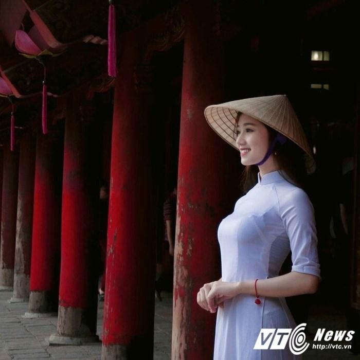 Nữ sinh Cao đẳng Du lịch Hà Nội tham gia khá nhiều các hoạt động văn hóa, văn nghệ, xã hội.